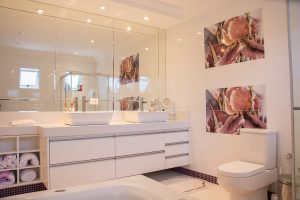 home-staging-bathroom